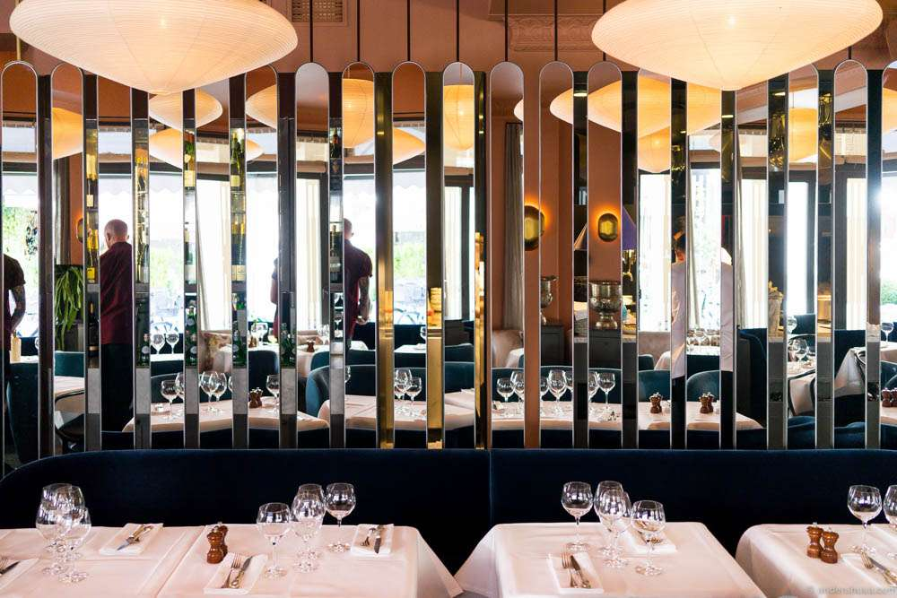 Mirrors in Restaurant Lou Lou