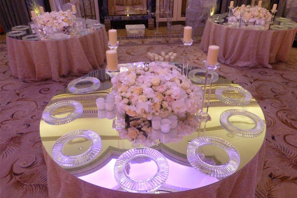 Mirrored Tabletop at Wedding