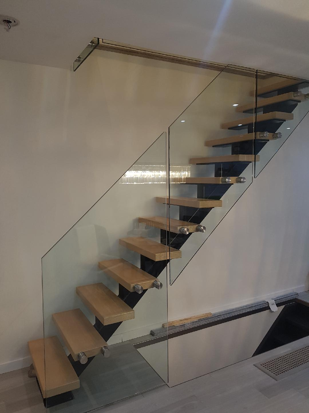 Interior & Glass Stair Railing : Glass Ninja . Get a ...