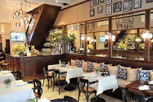 Restaurant and dining room mirror